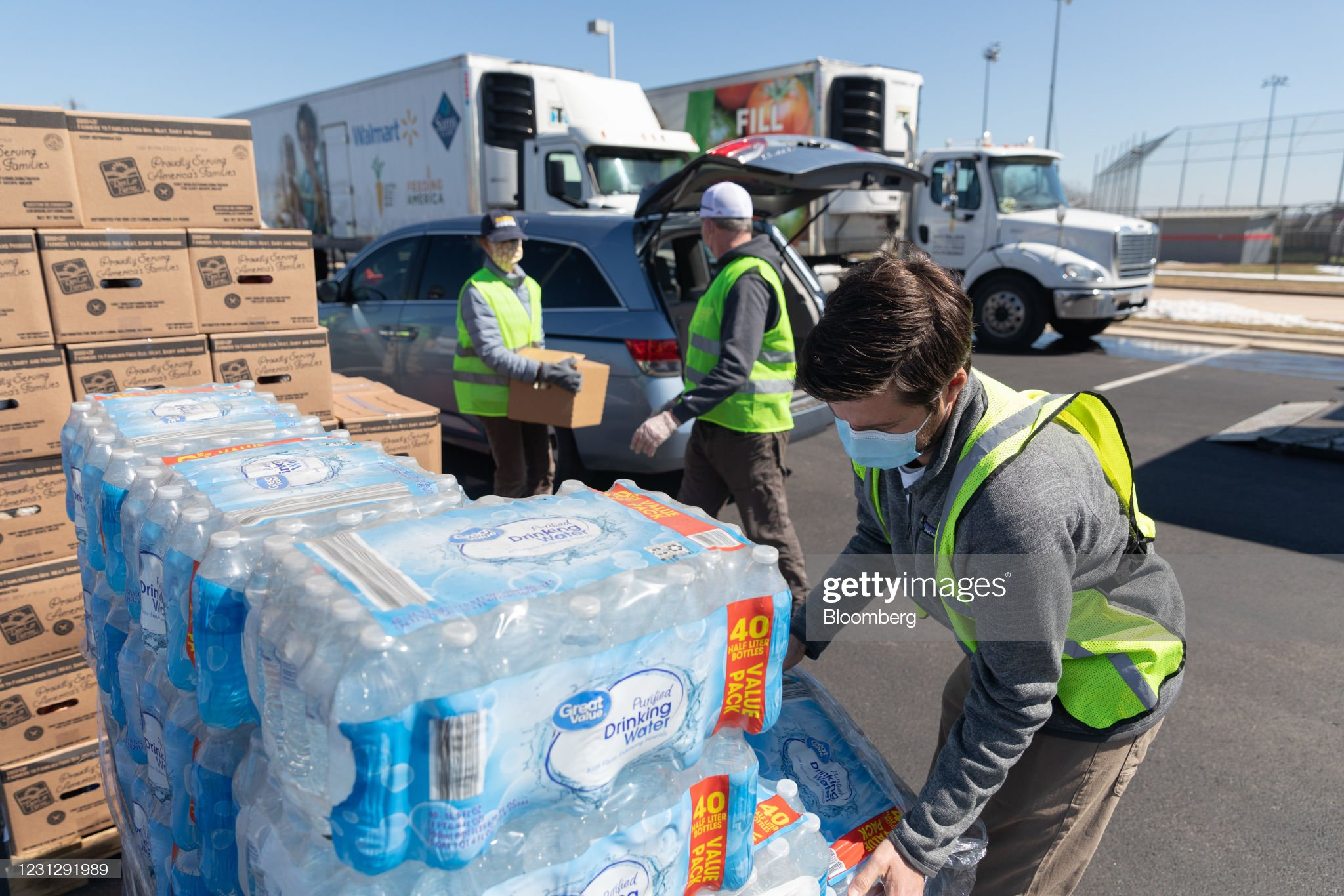 Relief Efforts Ramp Up In Texas As Weather Warms : News Photo