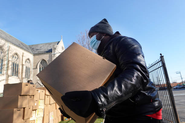 IL: Chicago Church Offers Food Supplies To Those In Need