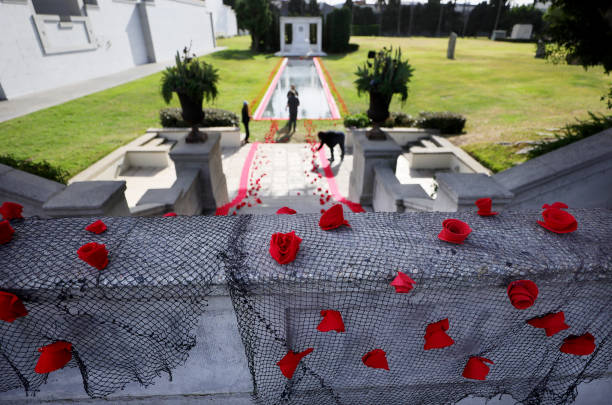 CA: Tribute Installed At Hollywood Forever Cemetery For Victims Of COVID-19 Pandemic