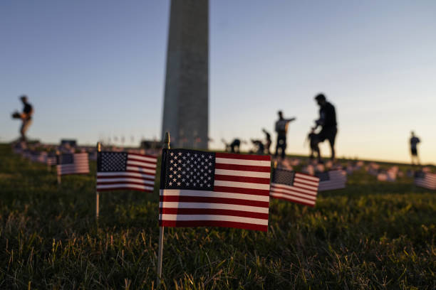 DC: 20,000 U.S. Flags Memorialize 200,000 Covid Dead Milestone On National Mall
