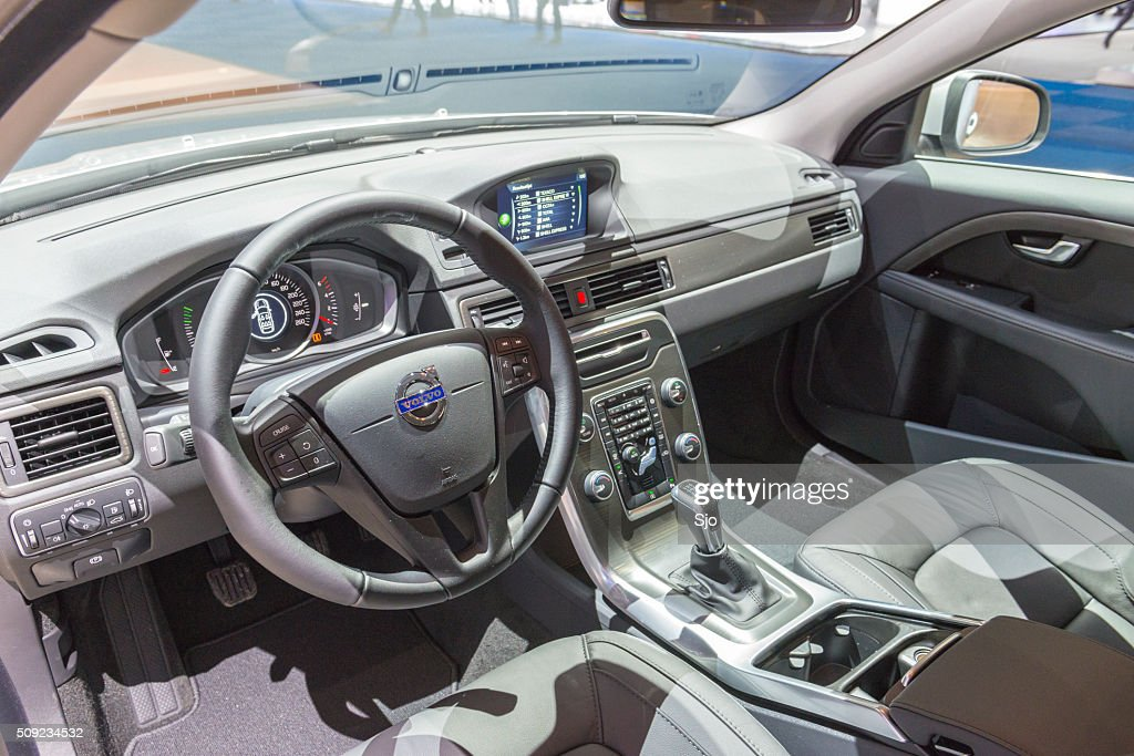 https://media.gettyimages.com/photos/volvo-v70-estate-car-luxurious-interior-picture-id509234532