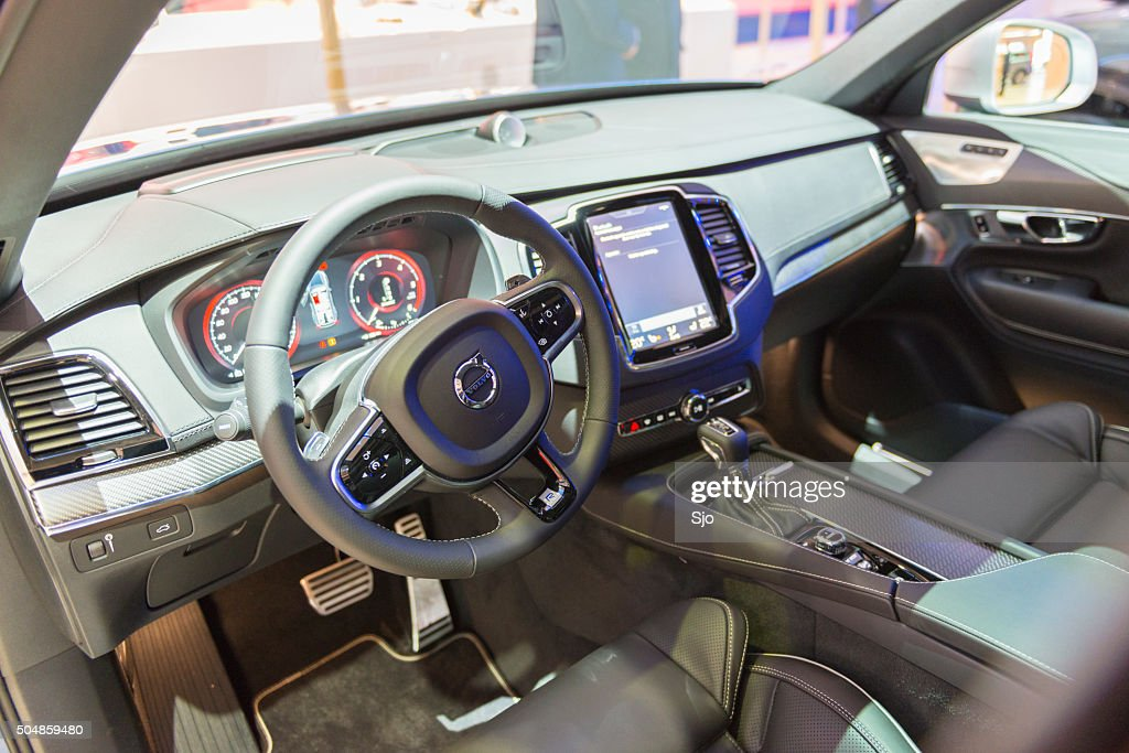 Volvo xc90 midsize luxury crossover suv interior stock for Interieur xc90