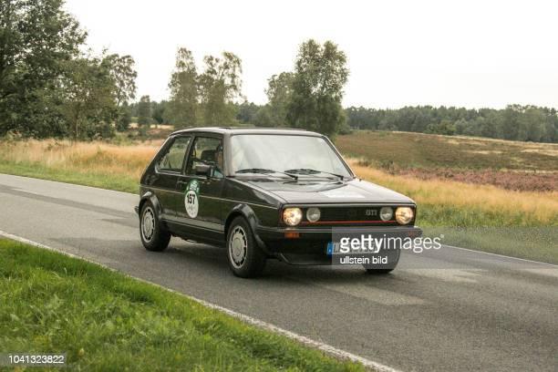Von 10 AutoBild Klassik HamburgBerlin vom 24 Gemarkung Undeloh in der Lüneburger Heide Im Foto VW Volkswagen Golf GTI Pirelli Bj1983 1800ccm PS112