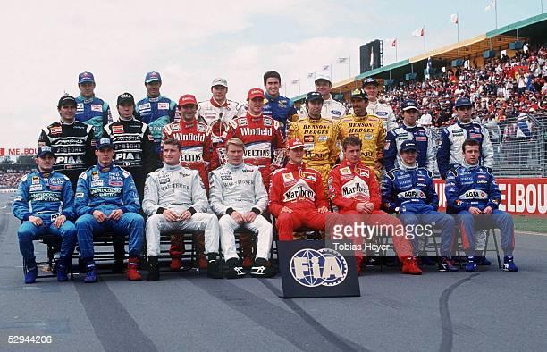 GP von AUSTRALIEN 1999 in Melbourne FAHRER GRUPPENFOTO obere Reihe vlks Jean ALESI/FRA Pedro DINIZ/BRA SAUBER PETRONAS Jacques VILLENEUVE/CAN Ricardo...