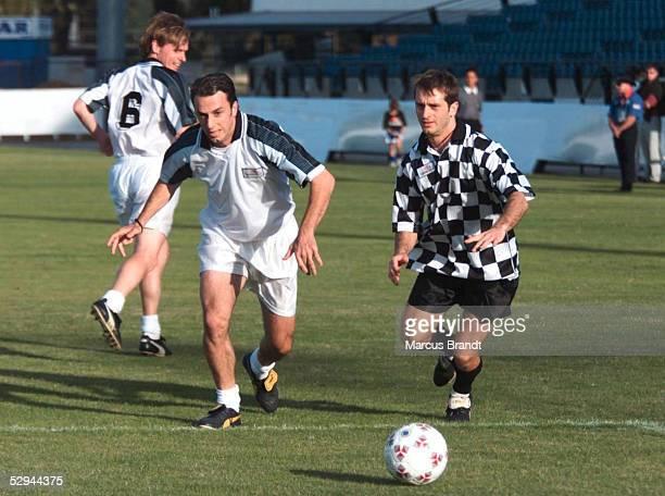 GP von AUSTRALIEN 2000 Melbourne Jarno TRULLI/JORDAN MUGEN HONDA beim Fussball