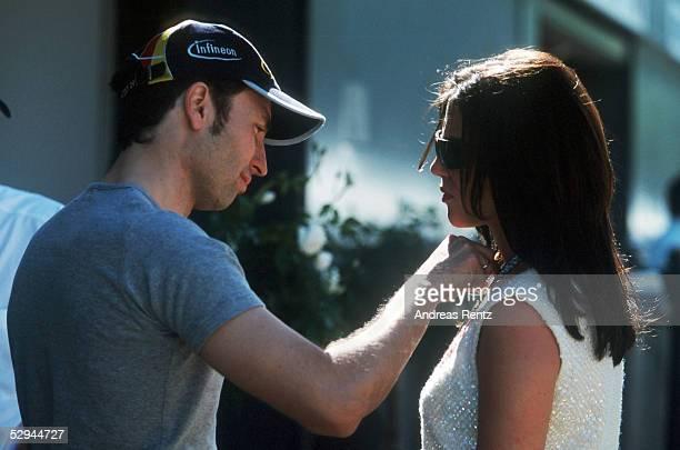 GP von AUSTRALIEN 2001 Melbourne HeinzHarald FRENTZEN JORDAN HONDA mit EHEFRAU TANJA FRENTZEN