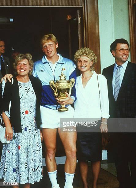 TENNIS FAMILIE von Boris BECKER nach seinem ersten Wimbledon Erfolg 1985