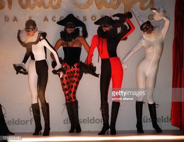 Von der Comedia del Arte und dem venezianischen Karneval ließ sich der italienische Modeschöpfer Tristano Onofri bei seiner Kollektion für Herbst und...