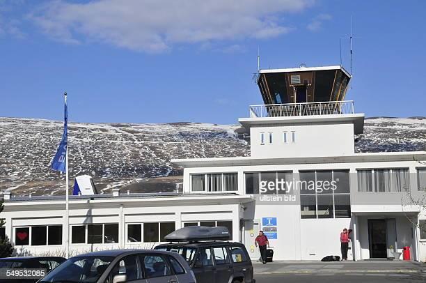 Von diesem Regionalflughafen finden täglich mehrere Flüge nach Reykjavik statt aufgenommen am 20 Mai 2012 in Akureyri der größten Stadt im Norden...