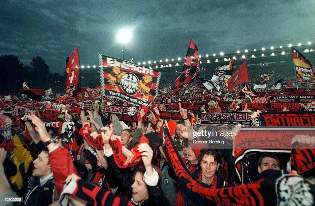 FUSSBALL: 2.BUNDESLIGA 97/98 EINTRACHT FRANKFURT : Nachrichtenfoto