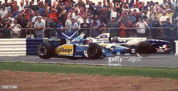 Von ENGLAND 1995, Silverstone; Michael SCHUMACHER beim CRASH mit Damon HILL