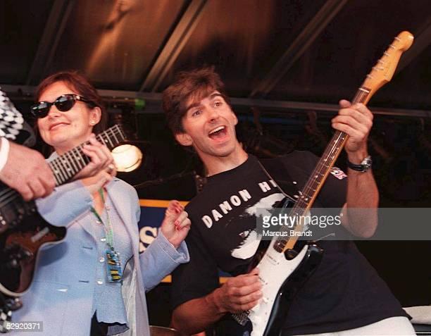 Von ENGLAND/SILVERSTONE 13.07.97, Damon HILL und Frau Georgie