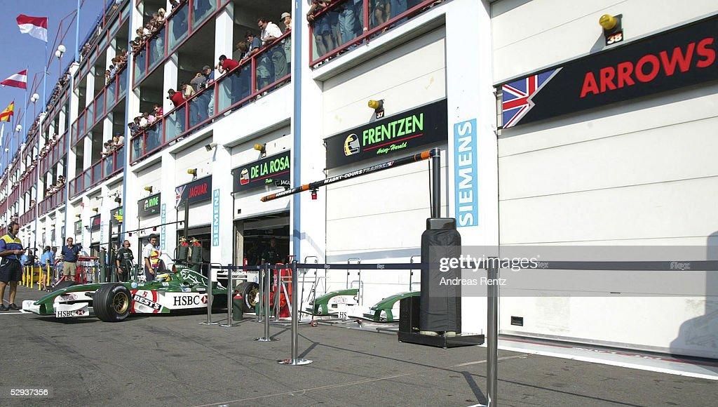 FORMEL 1: GP von FRANKREICH 2002, RENNTAG : News Photo