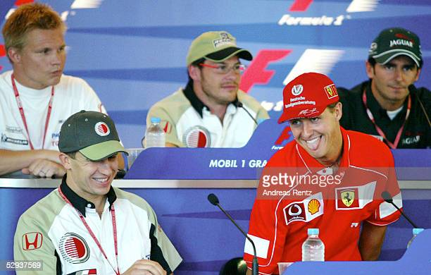 GP von FRANKREICH 2002 Magny Cours vlnr Mika SALO/FIN TOYOTA PANASONIC Jaques VILLENEUVE/CAN BAR HONDA Pedro de la ROSA/ESP JAGUAR RACING Olivier...