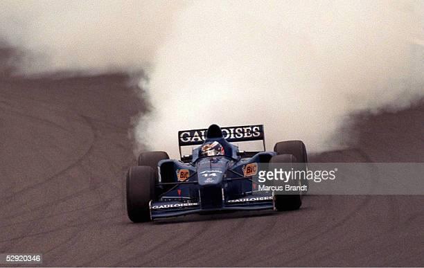 GP von JAPAN 1997 Suzuka Olivier PANIS/PROST MUGEN HONDA Motorschaden/Ausfall
