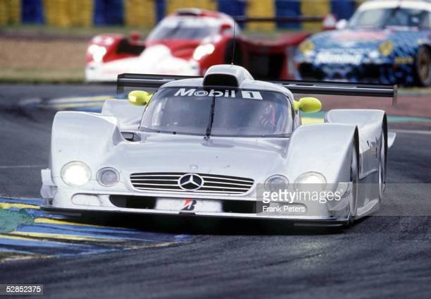 RENNEN 1999 von Le Mans Team AMG Mercedes CLR mit den Fahrern Mark WEBBER Jean Marc GOUNON und Marcel TIEMANN
