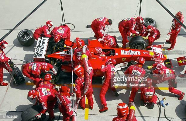 GP von Malaysia 2003 Kuala Lumpur Michael SCHUMACHER/GER Ferrari beim Boxenstopp