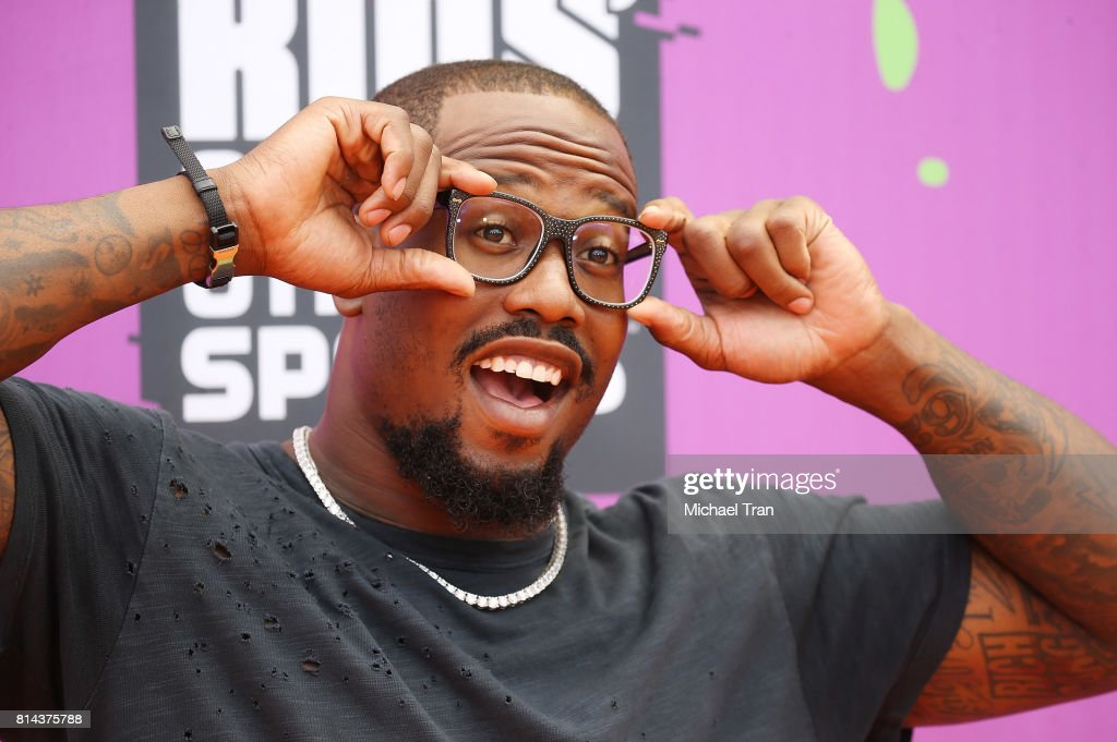 Von Miller arrives at Nickelodeon Kids' Choice Sports Awards 2017 held at Pauley Pavilion on July 13, 2017 in Los Angeles, California.