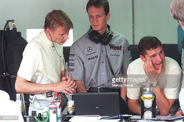 Von MONACO 1998, Monte Carlo; Mika HAEKKINEN/FIN und David COULTHARD/SCO - McLAREN MERCEDES -