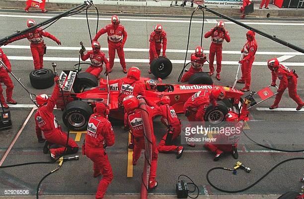 GP von SPANIEN 1999 Barcelona Michael SCHUMACHER/Ferrari beim Boxenstopp