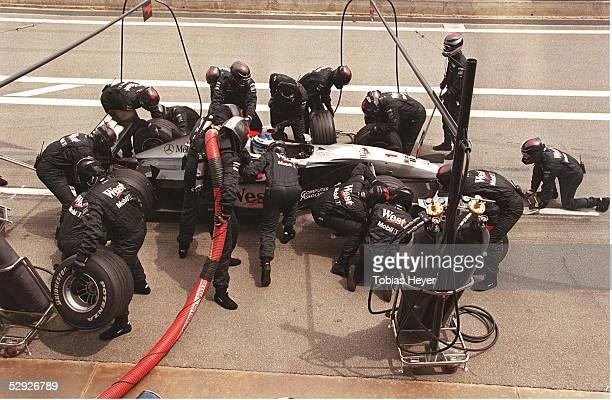 GP von SPANIEN 1999 Barcelona Mika HAEKKINEN/MCLAREN MERCEDES beim Boxenstopp