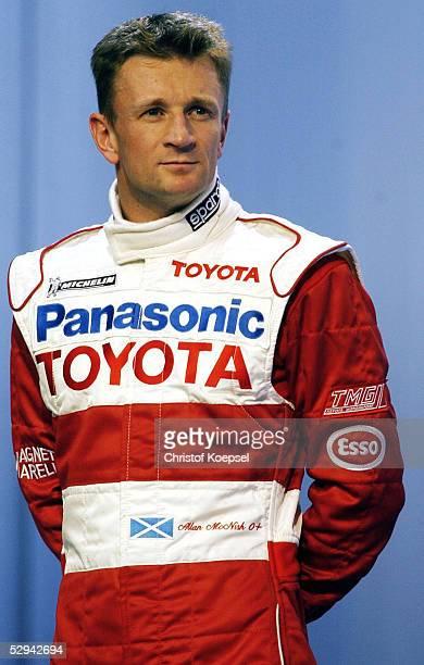 PRAESENTATION von TOYOTA 2001 Koeln EINSTIEG von TOYOTA in die Formel 1 Allan McNISH/GBR