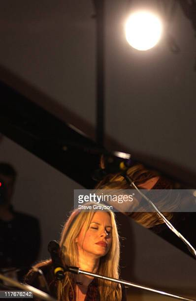 Vonda Shepard during WTA Stars in Fashion Show to Benefit City of Hope, Staples Center Foundation and Sanax WTA Tour Charities at The Fairmont...