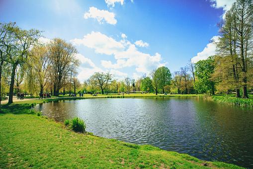 Vondelpark in Amsterdam 930947832