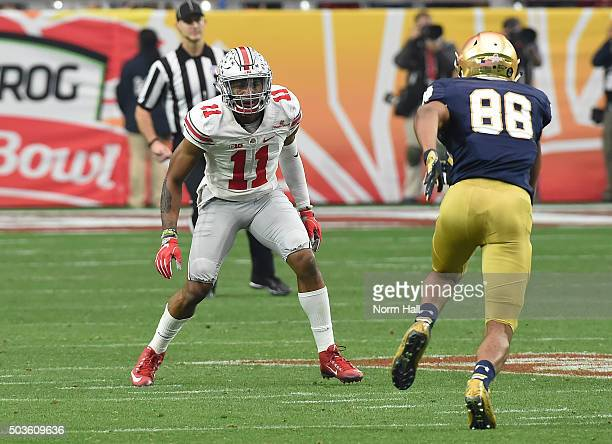 Vonn Bell of the Ohio State Buckeyes drops into pass defense against Corey Robinson of the Notre Dame Fighting Irish during the BattleFrog Fiesta...