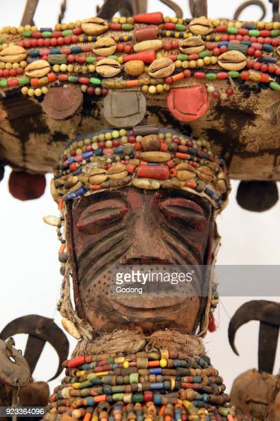 Voodoo fetish statue Hebiesso