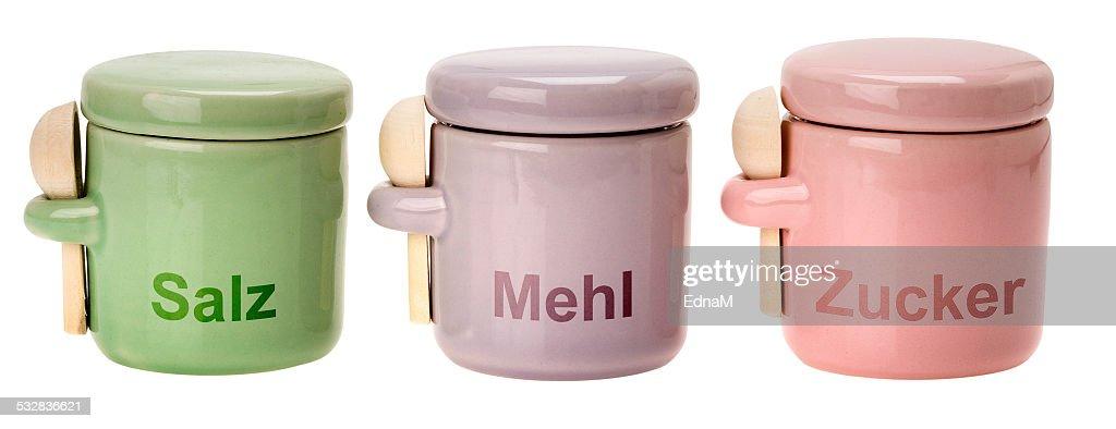 Vorratsdosen Mehl Zucker Salz vorratsdosen salz mehl zucker stock photo getty images