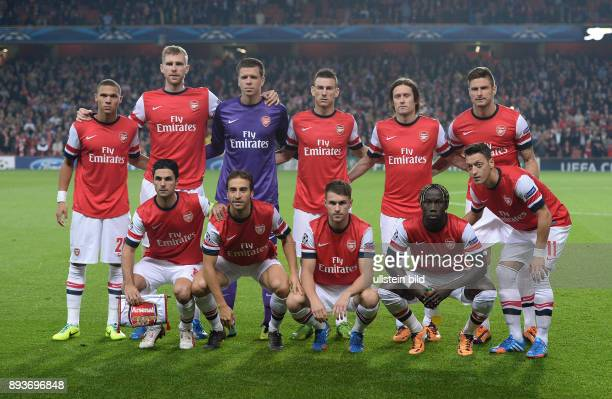FUSSBALL CHAMPIONS LEAGUE SAISON 2013/2014 Vorrunde Arsenal London SSC Neapel Mannschaftsbild Arsenal London Kieran Gibbs Per Mertesacker Torwart...