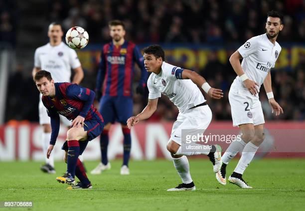 FUSSBALL CHAMPIONS LEAGUE SAISON 2014/2015 Vorrunde FC Barcelona Paris St Germain Thiago Silva gegen Lionel Messi beobachtet von Javier Pastore