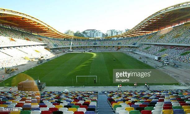 Vorschau auf die EM 2004 in Portugal Leiria Stadion Magalhaes Pessoa