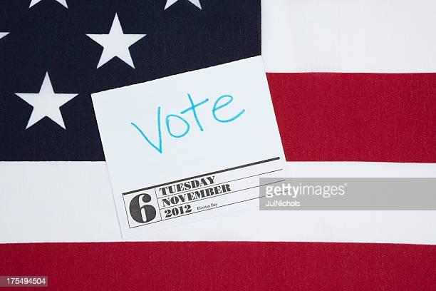 votação 2012 lembrete e bandeira norte-americana - novembro azul - fotografias e filmes do acervo
