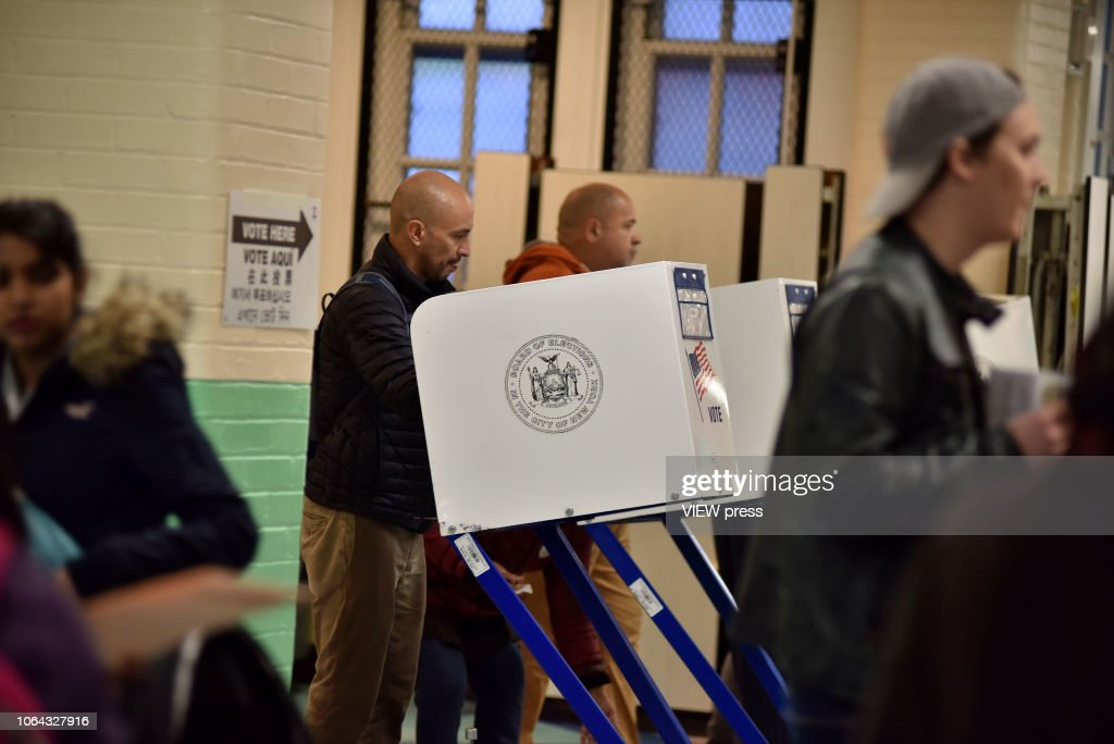 New York vote for midterm elections : News Photo
