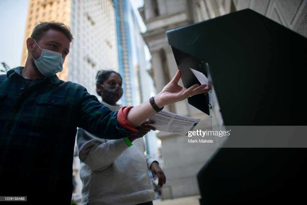 Long Lines Of Voters Wait To Cast Early Voting Ballots In Philadelphia : News Photo