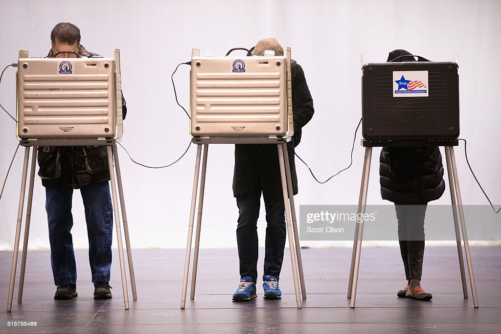 Voters Go To The Polls In Illinois Presidential Primary : News Photo
