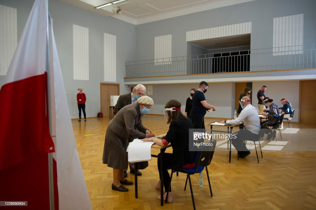 Poland Holds Presidential Election Runoff : News Photo