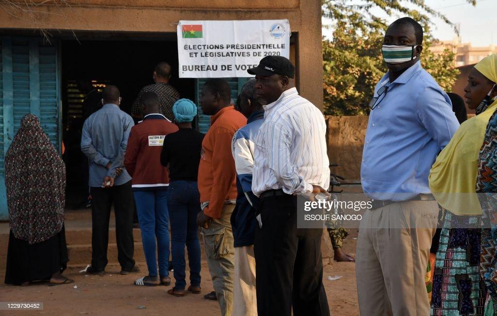 BFASO-POLITICS-ELECTION-VOTE : News Photo