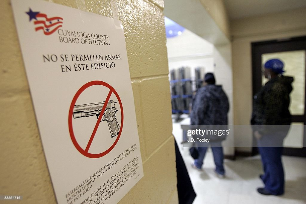 Voters stand in line to vote at Marion Strerling Middle School November 4, 2008 in Cleveland, Ohio. Voting is underway in the US presidential elections with Sen. Barack Obama (D-IL) leading in the race against the Republican presidential nominee Sen. John McCain (R-AZ).