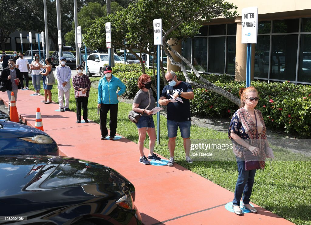 Florida Voters Drop Off Absentee Ballots In Special Boxes Ahead Of Election : News Photo