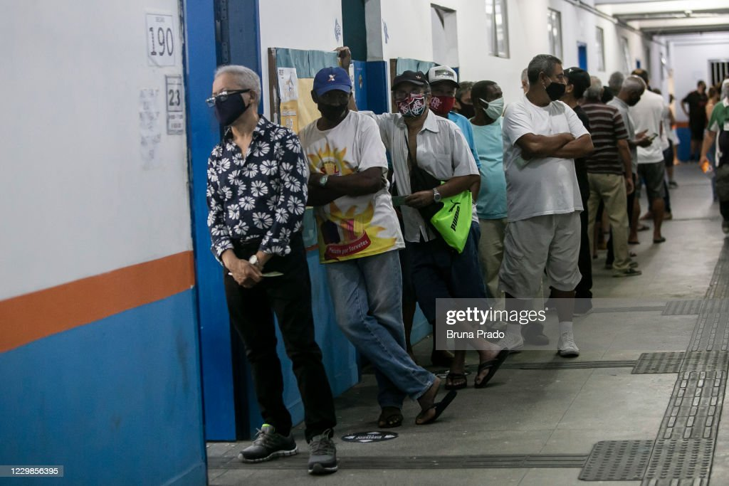 Rio de Janeiro Municipal Elections Runoff Amidst the Coronavirus (COVID - 19) Pandemic : News Photo