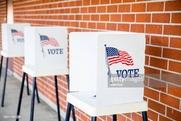 voting booths with no people - democratic party usa stock pictures, royalty-free photos & images