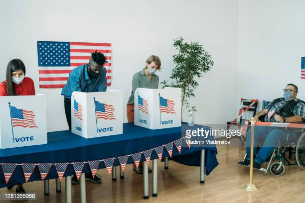 voting day in the usa - presidential candidate stock pictures, royalty-free photos & images
