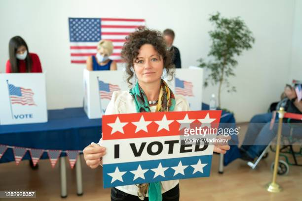 voting day in the usa - presidential election stock pictures, royalty-free photos & images