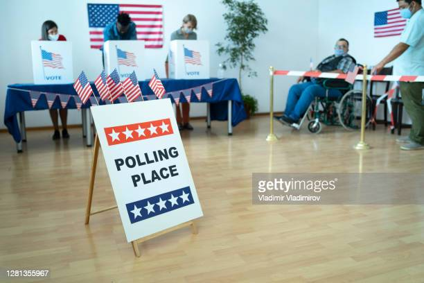 voting day - presidential candidate stock pictures, royalty-free photos & images