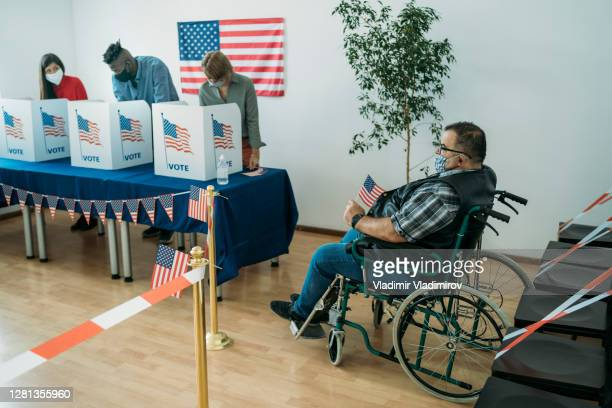 voting in time of pandemic - presidential candidate stock pictures, royalty-free photos & images