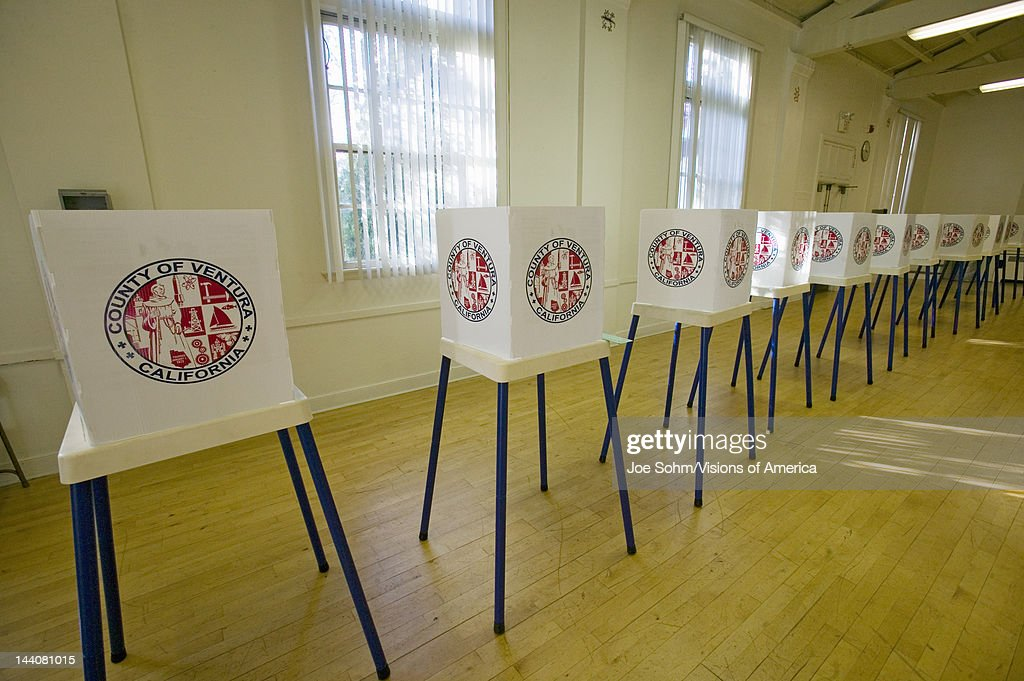 Voting stands for Congressional election, November 2006, in Ojai, Ventura County, California : News Photo