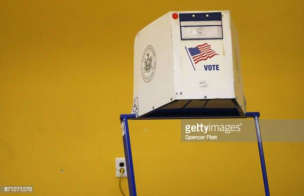 A voting station stands at the Park Slope Library where New York Mayor Bill de Blasio is to vote in Brooklyn on Election Day on November 7 2017 in...